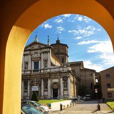 """Ciocco Atelier no Instagram: """"Arrivederci Ravenna! Foi mágico... ✨ @tatiannavalente Curte mto essa vista e, qdo ouvir os sinos da 8:00am, aproveita por mim!  #emiliaromagna #ravenna #sangueitalianonaveia #minhavidaitaliana #cioccoèinitalia #primaveraitaliana"""""""