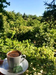 Coffee And Books, Turkish Coffee, Chocolate Coffee, Coffee Time, Drinks, Eat, Tableware, Istanbul, Food