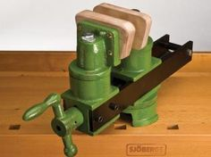 """Premium tool retailer Garrett Wade has redesigned the classic patternmaker's vise for today's carvers. The heavy vise, weighing 32 pounds, can be mounted on any work surface up to 6"""" thick. The pri..."""