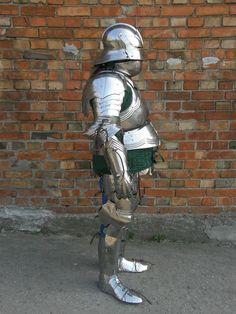 gothic_armor_finall_02_by_drahau-d3ellwa.jpg (731×975)