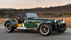 British lightweight sports car manufacturer Caterham Cars presents the 2015 Caterham Seven 620 R. Caterham Cars, Caterham Super 7, Caterham Seven, Lotus 7, Automotive Group, First Drive, Mini Trucks, Performance Cars, Car Engine