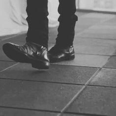 @iamlpofficial   #iamlpofficial#LauraPergolizzi  #LP#photo  #pic  #picture  #beautiful #instagood #picoftheday #lpfans4kind #lpfan#lplovers #lostonyou  #lovehersongs#blackandwhite #monochrome #instablackandwhite  #bw #noir #screen #boots