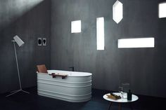Vieques is a contemporary revisitation of old-fashioned bathtubs by architect and designer Patricia Urquiola for Agape.