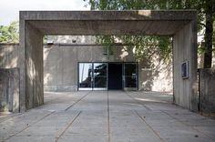 HS:n lukijat äänestivät: Konalan kirkko on Suomen rumin Garage Doors, Outdoor Decor, Home Decor, Decoration Home, Room Decor, Interior Design, Home Interiors, Interior Decorating