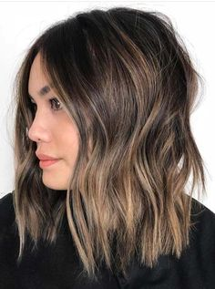 Hair Color Trends Balayage is one of the classic and incredible hair colors for every hair length right now. It is also looks like natural hair colori. zum Ideen auszuprobieren Best Brunette Balayage Hair Color Shades to Try in 2018 Hair Color Shades, Ombre Hair Color, Cool Hair Color, Brunette Color, Short Hair Colors, Brunette Hair Color With Highlights, Hair Color Ideas For Brunettes Balayage, Color Highlights, Balayage Hair Blonde