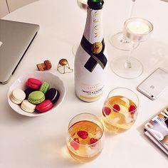 Macarons & Champagne. // Photo by Mariannan.