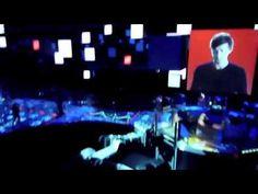 """Danse avec les robots by Martin Solveig (nouvelle version 2012) sur la musique """"Robot Rock"""" de Daft Punk au Futuroscope."""