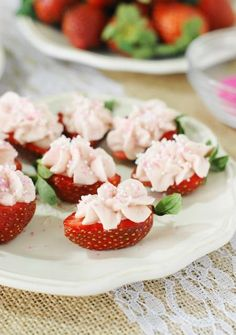 Strawberry Cheesecake Strawberry Bites ~ a fabulous little-bite treat perfect for Valentine's Day, Easter, Mother's Day, spring, a tea party, or every-day snacking!   www.thekitchenismyplayground.com
