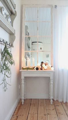 Lantligt på Svanängen Driving Home For Christmas, Christmas Home, Summer Cabins, Chabby Chic, Scandinavian Home, White Rooms, House Rooms, Gotland, Fresh Green