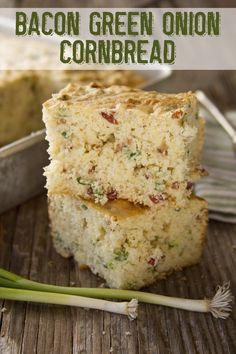 Bacon Green Onion Cornbread and the Prayers of a Control Freak Bacon Green Onion Cornbread recipe from Southern Bite. This is to die for good with bacon and onion bits studded throughout. Perfect with that bowl of chili or by itself. Cornbread Recipes, Cornbread Cake, Sweet Cornbread, Southern Recipes, Southern Food, Southern Comfort, Southern Dishes, Cooking Recipes, Gastronomia