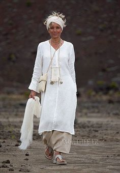 White linen side slit summer tunic with long sleeves and sarouel skirt - Stylish OMG Fashion Over, Look Fashion, Womens Fashion, 50 Fashion, Modest Fashion, Mode Style, Style Me, Summer Tunics, Summer Dresses