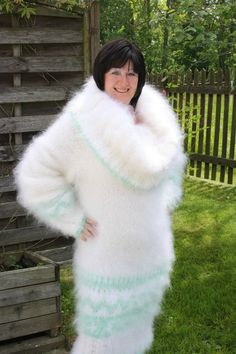 Sweater Dress Outfit, Sweater Outfits, Knit Dress, Sweater Dresses, Gros Pull Mohair, Angora Sweater, Catsuit, Cowl Neck, Fur Coat