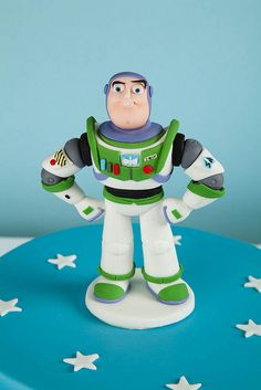 Cake Topper Buzz Lightyear by Rouvelee's Creations Cumple Toy Story, Festa Toy Story, Toy Story Party, Fondant Figures Tutorial, Cake Topper Tutorial, Fondant Toppers, Disney Themed Cakes, Disney Cakes, Fondant People
