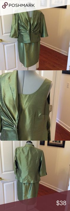 💰SALE‼️Glamorous green plus size Coldwater Creek green satin dress with jacket size p14. Zipper back and rhinestone button clasped on jacket. 3/4 length sleeve, good condition Coldwater Creek Dresses Midi