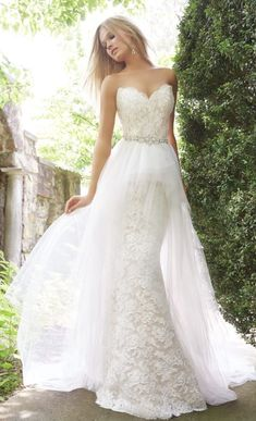 Wedding dress; Featured Dress: Alvina Valenta