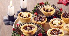 Csokis végű darálós keksz - sütnijó! – Kipróbált sütemény receptek Mini Cupcakes, Minion, Muffins, Cheesecake, Favorite Recipes, Sweets, Dinner, Breakfast, Desserts