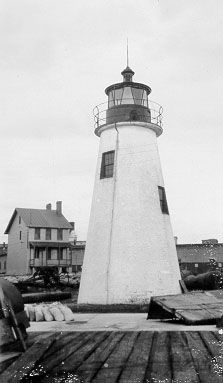 Lazaretto Point Lighthouse (original, dismantled 1926)