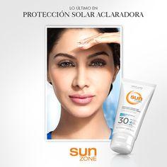 La piel de las mujeres latinas es mucho más propensa a generar melasmas debido al sol. ¿Tienes manchas en la piel? Acláralas y previene a la vez con el nuevo Portector Solar Aclarador FPS 30.
