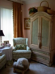 Painted Armoire Design, Pictures, Remodel, Decor and Ideas - page 2 Furniture Fix, Furniture Makeover, Painted Furniture, Refinished Furniture, Painted Armoire, Corner Wardrobe, French Armoire, French Country House, French Cottage