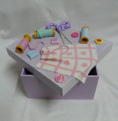 Clay Crafts, Diy And Crafts, Sewing Box, Embroidery Art, Pin Cushions, Sculpting, Polymer Clay, Craft Ideas, Sewing Accessories