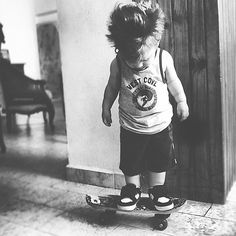 lil skateboarder