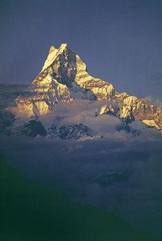 ✮ Sunset on the 6,997 meter Machhapuchare Peak in the Annapurna massif - Himalaya