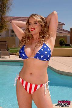 Jessica Gayle Nude Photos
