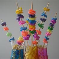Fleur de paille en plastique Idée déco à fabriquer