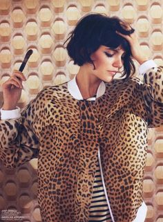 Leopard print jacket & stripes / short hair bob