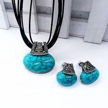 1 Set Vintage Haute Qualité Collier Boucles D'oreilles Vert Pierres Corde Chaînes Pleine Robe Accessoires De Mode Bijoux(China (Mainland))