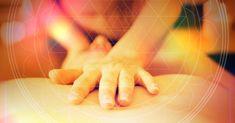 Тантрический массаж. Главной особенностью является массаж гениталий. Также стимулируются все эрогенные зоны. Массажные движения выполняются обнажёнными телами с применением масел и благовоний. Массаж проводится в индийской атмосфере. Breathing Techniques, Meditation Techniques, Orgasmic Meditation, Seven Chakras, Never Grow Old, Self Realization, Emotional Pain, Tantra, Helping People
