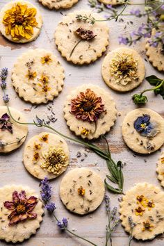 Cupcakes, Lavender And Lemon, Lavender Recipes, Buttery Shortbread Cookies, Delicious Cookies, Lemon Sugar Cookies, Dandelion Recipes, Summer Cookies, Galletas Cookies