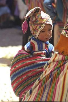 Baby from Pisac, Peru Precious Children, Beautiful Children, Beautiful People, Peruvian People, Peru Travel, Elements Of Art, People Of The World, Mother And Child, Baby Wearing