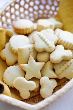 Butter cookies recipe in grams, with 5 ingredients. Best Butter Cookie Recipe Ever, Ginger Bread Cookies Recipe, Easy Sugar Cookies, Best Gingerbread Cookies, Crispy Chocolate Chip Cookies, Best Christmas Cookie Recipe, Easy Cookie Recipes, Sweet Recipes, Cupcakes