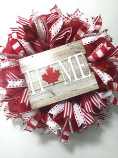53 Ideas For White Door Wreath Beautiful Patriotic Crafts, Patriotic Party, July Crafts, Canada Day Images, Canada Day Pictures, Canada Day Crafts, Canada Day Party, Seasonal Decor, Holiday Decor