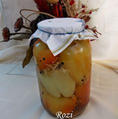 Rozi erdélyi,székely konyhája: Káposztával töltött zöldpaprika Canning Pickles, Pickling Cucumbers, Croatian Recipes, Ketchup, Preserves, Salsa, Good Food, Pudding, Hungary