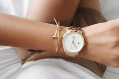 We believe style should be inspired by creative spirit and the freedom to express yourself. The MVMT Watches initiative is to offer classic minimalist designs with a twist of elegant chic flavor, all at a revolutionary price. This White Rose Gold watch would make a great addition to your accessory collection for just $125. Let your style make a statement! Click the buy button to get it now!
