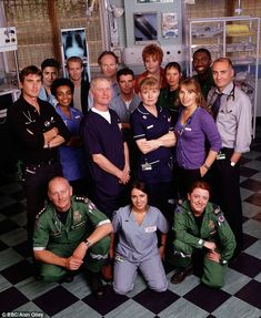 18 Best Casualty Characters Gr...