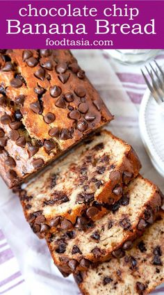 This simply irresistible Chocolate Chip Banana Bread is the best I ve ever had Llight fluffy perfectly moist and full of banana flavor Quick and easy bananabread banana loaf quickbread breakfast chocolate chocolatechip brunch easy quick recipe Chocolate Banana Bread, Chocolate Chip Recipes, Chocolate Chips, Chocolate Cake, Peanut Butter Banana Bread, Homemade Chocolate, Easy Bread Recipes, Banana Bread Recipes, Cooking Recipes