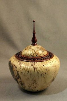 Walt Wager. Lidded bowl. The American Association of Woodturners.