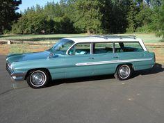 1961 Pontiac Catalina Safari Station Wagon