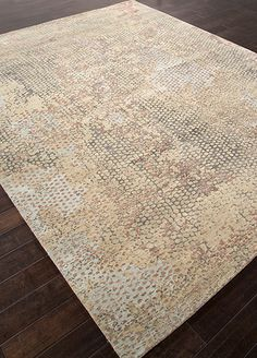 Wool and Viscose Material carpet in Gray color