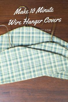 How to Make Fabric Wire Hanger Covers Does your bedroom or guestroom closet need a little punch? Mine did so I decided to make these really cute fabric c Source by mazzalowe hanger Baby Coat Hangers, Wire Coat Hangers, Kids Hangers, Padded Hangers, Clothes Hangers, Sewing Basics, Sewing Hacks, Sewing Tutorials, Basic Sewing