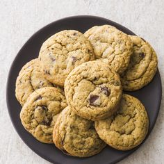 Recipe: Chocolate Chip Cookies. A great chocolate chip cookie should have crisp edges, a chewy center, complex toffee flavor, and chocolate in every bite. To make our low-sugar version, we decided to use Sucanat, since its molasses flavor fit the cookie's profile nicely.