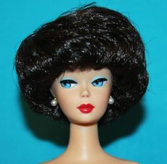 Vintage-BARBIE-Reproduction-NUDE-Full-BRUNETTE-Bubble-Cut-50th-Ann-Tag-amp-STAND