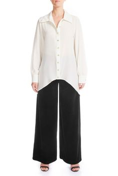 This all year-round classy silk shirt is a favourite for all. Crafted from ivory silk crêpe de chine. Oversize collar and fluid silhouette that is effortless to wear. Ivory Silk, Signature Collection, Mulberry Silk, Silk Crepe, Leather Design, Leather Pants, Denim Shorts, Women Wear, Classy