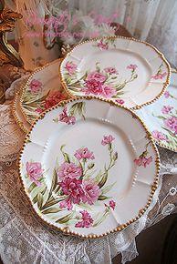 Such pretty plates Antique Dishes, Vintage Dishes, Antique China, Vintage China, Shabby Chic Pink, Vintage Shabby Chic, China Plates, Vintage Plates, Shabby Chic Kitchen