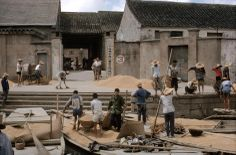 Bringing rice to the state granary. 1979 by Eve Arnold Photographer Portfolio, Grand Canal, Magnum Photos, A Decade, Movie Stars, Bring It On, Street View, China, Eve