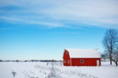 Picturesque Red Barn in the Snow Country Decor Print - Ideen finanzieren Hygge, Winter Weather Forecast, Heartland Of America, Custom Sheds, Farm Plans, Snow Art, Budget Planer, Thing 1, Belle Photo