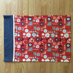 Set of 2 Standard Pillowcases - Navy and Red